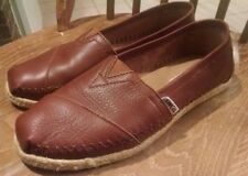 Tom's women's leather slip-on shoes size 7