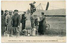 PARIS MADRID 1911. VéDRINE AU DéPART D'ISSY FAIT SON PLEIN D'AUTOMOBILINE.
