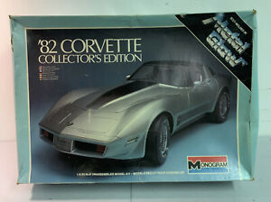 Monogram '82 CORVETTE 1/8 Scale Metal Glow Plastic Model Kit