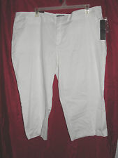 Womens Daisy Fuentes White Favorite Fit Capris - Size 22W - NWT