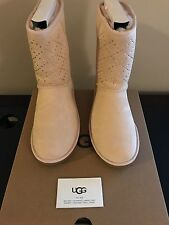 BRAND NEW Ugg Classic Short Crystal Diamond Women's Size 7 US Freshwater Pearl