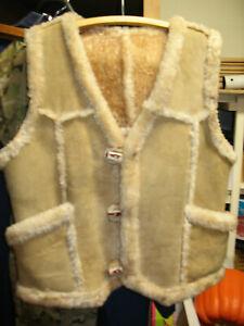 L@@K! Sheepskin Traders Man's Shearling Sheepskin Vest VG+ Size M