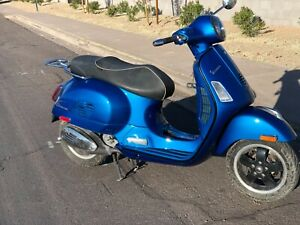2015 VESPA GTS300 3500 MILES, RUNS-RIDES LIKE NEW