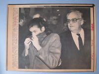 1983 Press Wire Photo Prince Rainier w/Princess Stephanie As She Covers Her Face