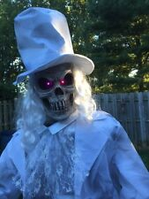 Halloween Lifesize Animated THE RIPPER GHOSTLY GENTLEMAN Prop Haunted House NEW