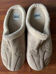 Jyoti Brand New Ladies Beige Mule Slippers With Flower Design  Size 6