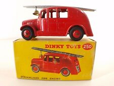 Dinky Toys GB n° 250 Streamlined fire engine voiture pompier en boite