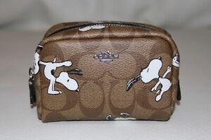 💚 Coach x Peanuts Mini Boxy Cosmetic Case Signature Canvas Snoopy Wallet Bag