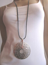 Modekette Damen Kette Lagenlook Leder lang XL Amulett Anhänger Silber Schwarz L9