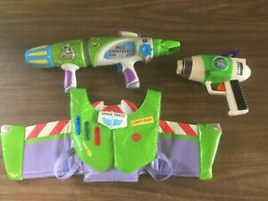 DISNEY PIXAR BUZZ LIGHTYEAR BLASTER,NO BALLS,WORKS,BUZZ LIGHTING WINGS