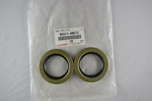 Genuine LEXUS IS300 01-05 FRONT WHEEL HUB AND BEARING SEALS 2 x 9031148013 OEM