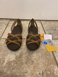 Womens Crocs Huarache Flat Size 7 bronze/expresso