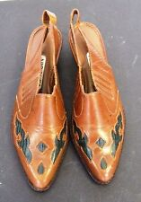 NICOLE LAREDO  5 1/2 M BROWM LEATHER WOMEN HEELS Made in BRAZIL