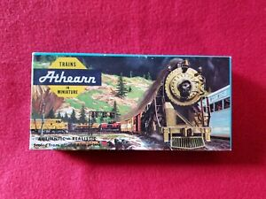 Vintage Athearn HO Box With 2 Pieces
