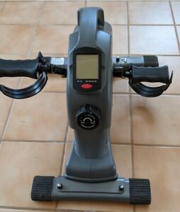 Sunny Health & Fitness SF-B0418 Magnetic Exercise Bike with Digital Monitor