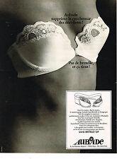 PUBLICITE ADVERTISING 014   1977   AUBADE  soutien gorge 169 sans bretelles