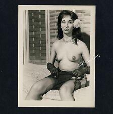 LATIN NUDE WOMAN w GLOVES / NACKTE SÜDLÄNDERIN Handschuhe * Vintage 60s US Photo
