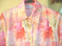 VTG 80S P 6 M MADE IN USA THE TOG SHOP PINK CORAL FLORAL BUTTON UP BLOUSE WOMEN
