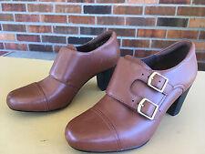 EUC Clarks Women's Bendables Heeled Brown Slip Ons Size 5.5M               D35(4