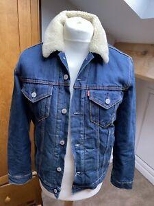 Men's Levi Indigo Sherpa Trucker Jacket. Size Small