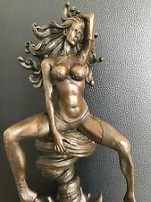 Bronzefigur  Erotischer Akt Medusa Zaubertasche des Hermes Signiert Aldo Vitaleh