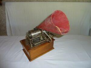 Phonographe PATHE à cylindres le CHANTECLAIR.