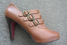 Zola Tan Ankle Boots Booties Shoes 39, worn once indoors
