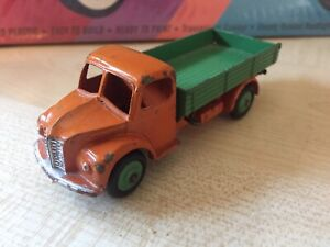 DINKY TOYS 414 DODGE TIPPER IN VERY GOOD, PLAYED WITH CONDITION.