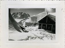 PHOTO ANCIENNE - VINTAGE SNAPSHOT - MONTAGNE NEIGE REFUGE CHALET - MOUNTAIN SNOW