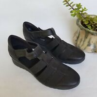 Cloudsteppers by Clarks Women's Caddell Shine Wedge Sandal Black Size 7.5 M EUC