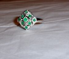 GREEN EMERALD ROUND DOME CLUSTER RING, 925 STERLING, SIZE 8, 0.45(TCW), 3.20GR