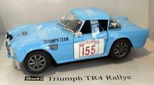 Coche deportivo de carreras de automodelismo y aeromodelismo color principal azul