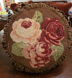 """VINTAGE ROUND WOOL NEEDLEPOINT THROW PILLOW FLORAL ROSES FLOWERS 16"""" DIAMETER"""