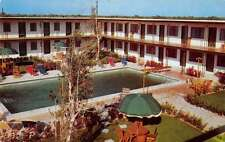 Key Largo City Florida pool scene The Rod And Reel Motel vintage pc Z22778