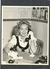 3 PHOTOS OF ANN SOTHERN - RARE WWII ARMY SIGNAL CORPS  PHOTOS - PATRIOTIC DUTY