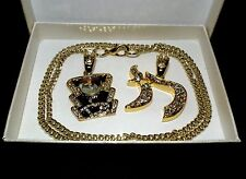 ELVIS TCB AND CHI PENDANT SET WITH 23 INCH CURB CHAIN IN PRESANTATION BOX