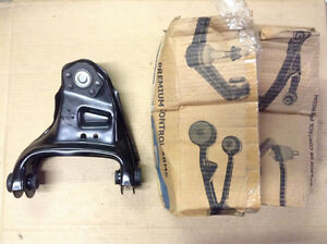 NEW NAPA 260-5541 Suspension Control Arm & Ball Joint Assembly Front Right Upper