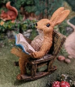 Bunny Pete Learns to Garden Reading in Rocking Chair WS 2061 Miniature Garden