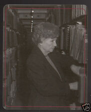 HELEN KELLER Blind and Deaf Woman Author Library Photo MODERN TRADING CARD