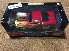 Muscle Machines 1:18 '66 Mustang Ford Flame Red Flames