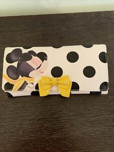Signature Minnie mouse purse, from disney store. used, womans purse