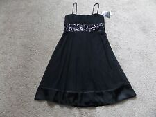 NEW NWT WOMENS JUNIORS medium CITY TRIANGLES DRESS black BEAUTIFUL RETAIL $70.00