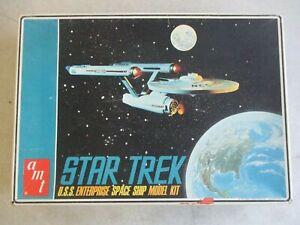 VINTAGE 1966 AMT STAR TREK U.S.S. ENTERPRISE MODEL KIT IN ORIGINAL BOX S951-250