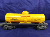 LIONEL LINES 6015 - SUNOCO YELLOW TANK CAR -  O GAUGE MODEL TRAIN . VINTAGE