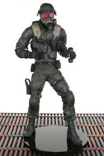 """Resident Evil 10th Anniversary Series 1 HUNK 7"""" Action Figure NECA 2006"""