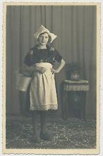 Foto-Portrait junges Mädchen in Holland-Kleidung  (T05)