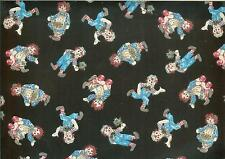"Oop!Raggedy Ann/Andy Mini Toss On Black Cotton Fabric Fq - 18""X22"""