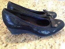 Munro American Women's Shoes black size 5M Wedge Metallic