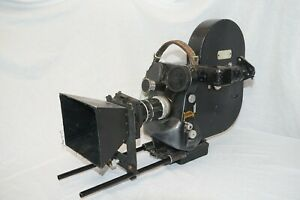 Nice and early ECLAIR Cameflex 16mm and 35mm Movie Camera