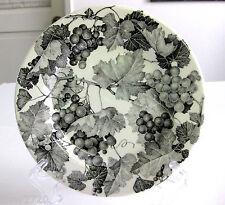 PRE-OWNED CRATE & BARREL QUADRIFOGLIO BLACK GRAPES BREAD PLATE, Made in Italy